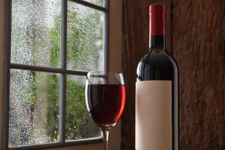 Enjoy winter rain with red wine.